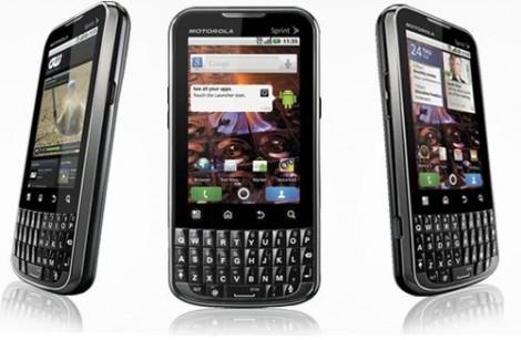 black-friday-2013-telefoane-cu-tastatura-qwerty-pe-care-le-gasesti-la-pret-redus_size1