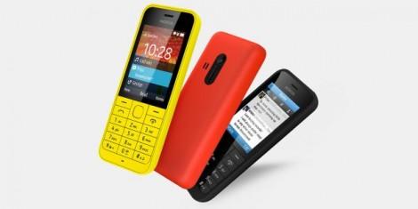 nokia-220-telefonul-de-29-de-euro-la-care-bateria-te-tine-o-luna-are-facebook-preinstalat-video_size1