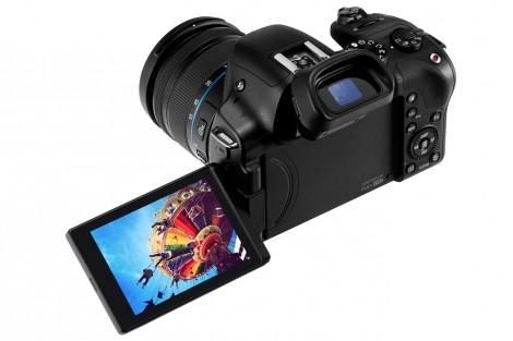 samsung-nx30-a-ajuns-in-romania-camera-smart-are-20-3mp