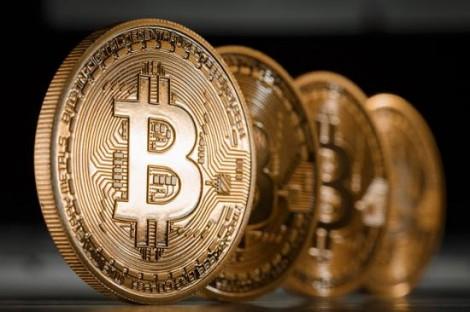 cine-cumpara-online-poate-folosi-bitcoin-lumea-virtuala-intra-intr-o-noua-dimensiune-287260